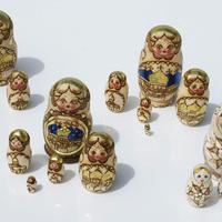 Russian Dolls golden